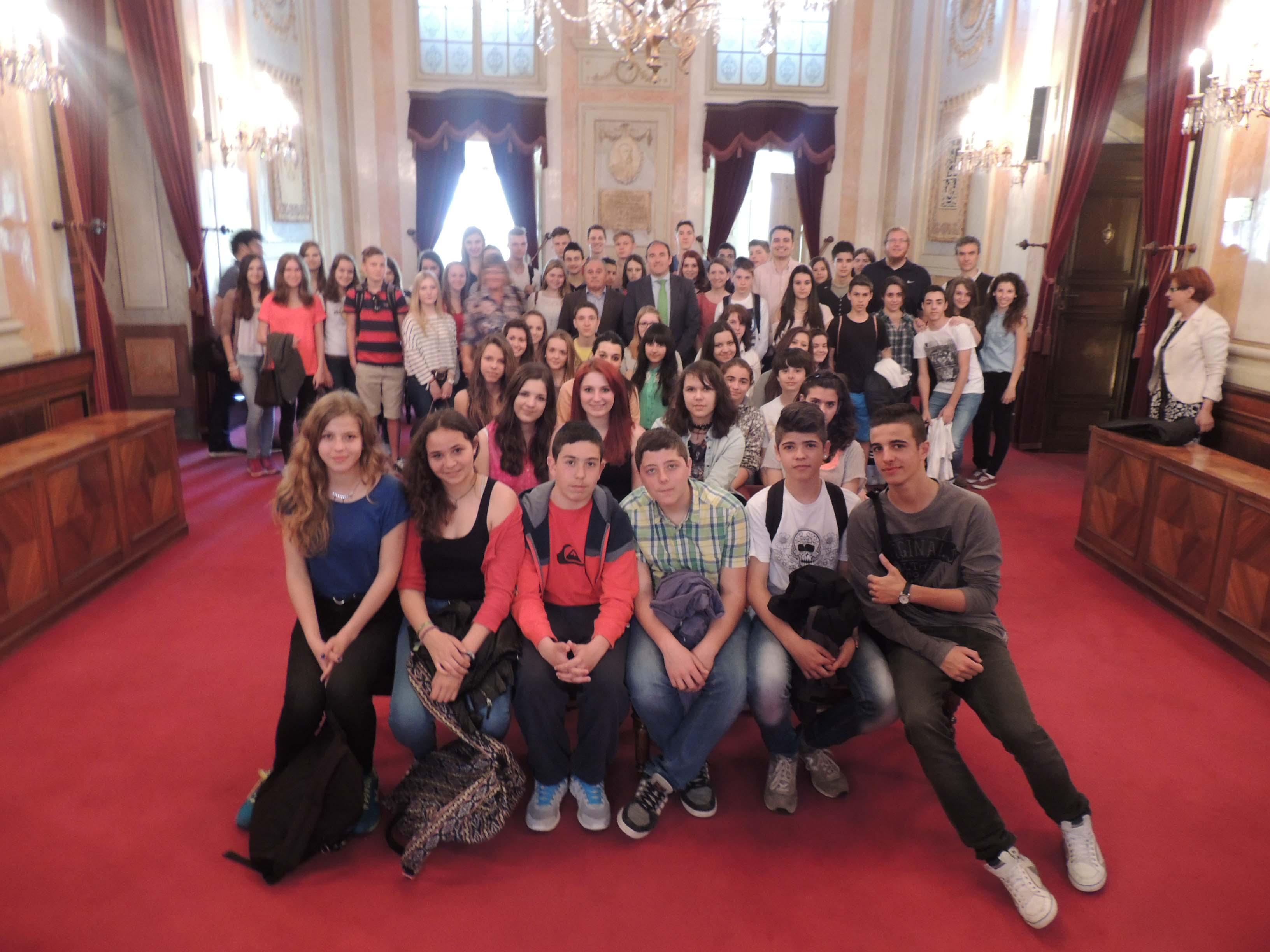 El alcalde recibe a alumnos alemanes en viaje de - Spa alcala de henares ...